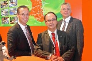 Auf der Expo Real 2013 (von links): Eckhart Preen (Geschäftsführer der Wirtschaftsförderungsgesellschaft), Samer Muller (Segro Sprecher) und Martin Linne, Dezernent der Stadt Krefeld. Foto: Stadt Krefeld, Presse und Kommunikation