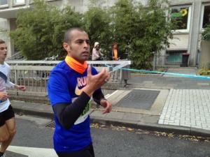 Aki beim Köln-Marathon.