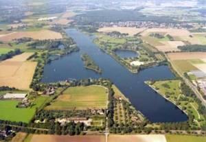 Der Elfrather See aus der Luft. Foto: Stadt Krefeld/Presseamt