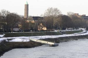 Der Rheindeich in Uerdingen ist fast durchgehend 13,30 Meter hoch.  Foto: Stadt Krefeld, Presse und Kommunikation