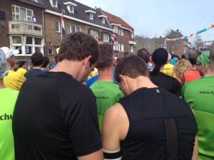 Unglaublich: Pipi-Attacke im Startblock in Venlo. Gesehen 2014!!! Namen bleiben geheim!