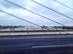 Blick von der Rheinbrücke bei Rees.