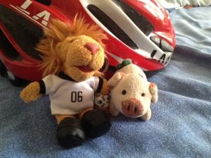 Goleo und das Glücksschweinchen - ein unschlagbares Team.