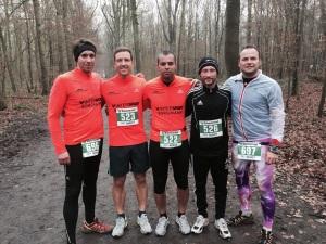Moritz, Mitch, Aki, Gastraupe Bennie und Manu nach dem Lauf.