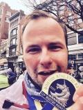 Da ist das Ding: Die Medaille vom Boston Marathon.