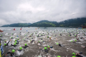 Schwimm-Start in Zell am See.