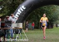 Lauf 16 KM L+ñufer 260 schnellste Frau