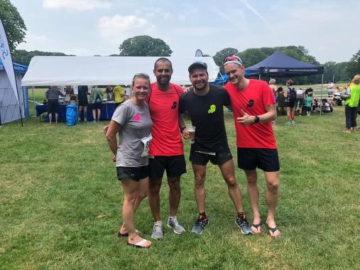 Anne, Aki, Manu und Martin nach den 10KM beim Charity Run 2019.